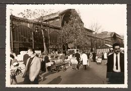 PHOTO ORIGINALE PARIS ANNEES 1960 - LES HALLES - MARCHE COUVERT AUTRES - Places