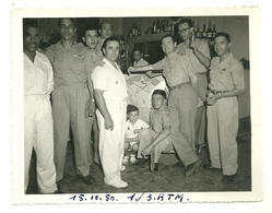 PHOTOGRAPHIE MILITAIRE REGIMENT TIRAILLEURS MAROCAINS BAR DE MESS 1950 INDOCHINE MILITARIA - War, Military