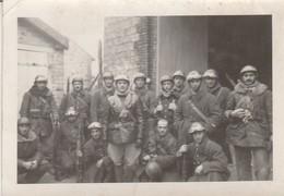 Photo Militaire : Groupe De Soldats à Moto  à Définir - ( Format 9,2cm X 6,5cm ) - War, Military