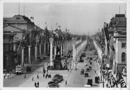 "M07950 "" BERLIN-UNTER DEN LINDEN IM FESTSCHMUCK "" BUS,AUTOCARRI E AUTOMOBILI ANNI '30 CART ORIG. SPED. 1939 - Germania"