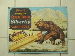 Plaque En Tole Shoot Winchester Super Speed Silvertip  Cartridges  Tres Bon Etat  40 X 30 Cm - Militaria And Patriotic