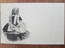 Pont-l'Abbé.une Petite Bigoudenne.précurseur.coiffe Costume Breton.édition Waron - Pont L'Abbe