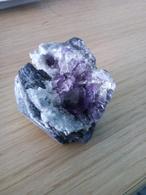 Fluorite Violette Avec Aiguilles De Quartz Du Fujian, Chine, 66 Gr, 39x37x34 Mm - Mineralien