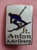 INSIGNE  SKI SAINT ANTON ARLBERG MONTAGNE SPORT HIVER AUTRICHE - Sports D'hiver