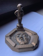Asbak Cendrier Manneke Pis Manneken Pis Manneke-Pis Manneken-Pis Plast Op Hitler Pisser Sur Hitler - Cendriers