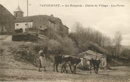 Dép 54 - Animaux - Vaches - Vaudemont - Ses Remparts - Entrée Du Village - Les Portes - Bon état Général - France
