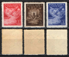 VATICANO - 1947 - COLOMBE - ANGELI E LUOGHI SACRI - MNH - Poste Aérienne