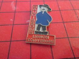413c PIN'S PINS / Rare Et De Belle Qualité / THEME ALIMENTATION : FOUCHTRA CHARCUTERIE SAUCISSON LIGNON D'AUVERGNE - Alimentation