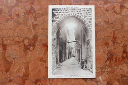 CASTELLANE (04) - ANCIENNE PORTE DE LA VIEILLE HORLOGE - MOTO - Castellane