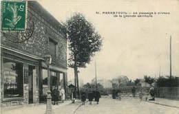 VAL D'OISE  ARGENTEUIL  Le Passage A Niveau De La Grande Ceinture - Argenteuil