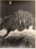 Photo Les Drus Et L'aiguille Verte Dans Les Alpes, Format 18/24 Tirage Années 50. - Plaatsen