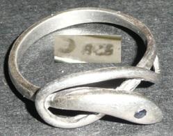 Rare Bague En Argent 825 (poinçon), En Forme De Serpent Oeil Strass - Bagues