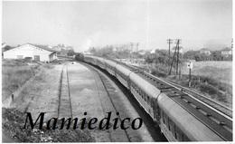 1959 Arrivée D'un Train à BONNIERES. Photographie LEPAGE - Gares - Avec Trains