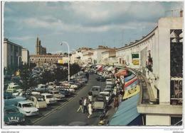 17 - Royan - L'avenue De La République Et L'église Notre Dame - Royan