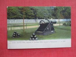 Rotograph   Spanish Rifle Captured In Santiago 1899  Hempstead   New York > Long Island   Ref 3274 - Long Island