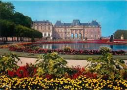 54 - Lunéville - Le Château - Le Parc - Fleurs - Voir Scans Recto-Verso - Luneville