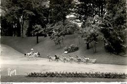 D44  LA BAULE  Au Parc Des Dryades - Les Jeux  ..... Les Charrettes  Petits Chevaux Et Manège à Chevaux - La Baule-Escoublac