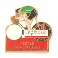 Pin's LE TOUR - VIZILLE (38) 24 Juillet 1991 - Tour De France 1991 - Cycliste Maillot Vert - I192 - Wielrennen