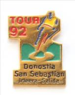 Pin's LE TOUR 92 - DONOSTIA SAN SEBASTIAN (Espagne) - Cycliste Maillot Jaune - I193 - Cycling