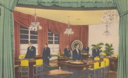 Casino In International Hotel Veradero Beach Cuba, Roulette Table Gambling C1940s/50s Vintage Postcard - Casinos