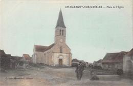 71 - CPA  CHAMPAGNY SUR UXELLES Place De L'église - Francia