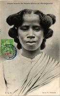 CPA Jeune Femme De Sainte Marie De MADAGASCAR (819112) - Madagascar