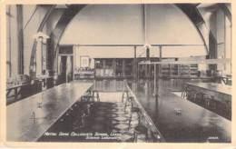 UK ENGLAND ( Yorkshire ) LEEDS : NOTRE DAME COLLEGIATE SCHOLL Science Laboratory - CPA - Angleterre - Leeds