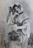 CPA BERGERET FEMME VIGNERONNE INVITANT AUX VENDANGES . 1904 . SEXY WOMAN GRAPE HARVEST  OLD PC - Femmes