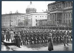 Photo De Presse Fulgur  - Berlin - Journée Des Héros - War, Military