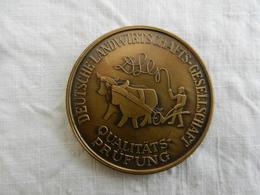Médaille De Table En Bronze  Deutsche Landwirtschafts Gesellschaft 1984 - Allemagne
