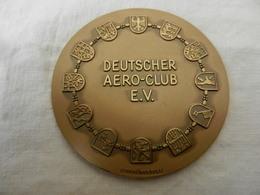 Médaille De Table En Bronze  Deutscher Aéro-club E.V.- Deutschlandflug 1973 - Allemagne