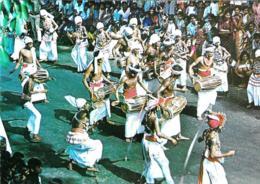 [MD3080] CPM - SRI LANKA CYLON - KANDYAN DRUMMERS AND DANCER LEADING THE PROCESSION - Non Viaggiata - Sri Lanka (Ceylon)