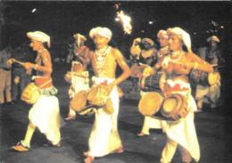 [MD3081] CPM - SRI LANKA CYLON - HEWISI DRUMMERS PERFORMING IN KANDY PERAHERA - Non Viaggiata - Sri Lanka (Ceylon)