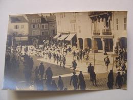 VOSGES 88  DEFILE  MILITAIRE REMIREMONT CARTE PHOTO - Remiremont