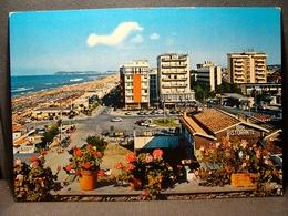 (FG.O21) RICCIONE - PIAZZALE ALBA E SPIAGGIA (RIMINI) Viaggiata 1974 - Rimini
