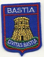 ECUSSON TISSU  FEUTRINE BLEUE    BASTIA - Blazoenen (textiel)