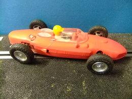 SCALEXTRIC FERRARI 156 F1 Rojo Original Guia Fija TRI-ANG Made In Spain - Circuitos Automóviles