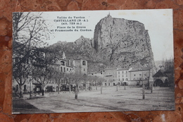 CASTELLANE (04) - PLACE DE LA GRAVE ET PROMENADE DU CORDON - Castellane