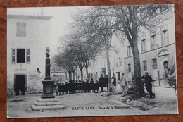 CASTELLANE (04) - PLACE DE LA REPUBLIQUE - Castellane