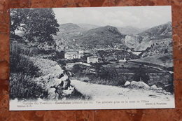 CASTELLANE (04) - VUE GENERALE PRISE DE LA ROUTE DE VILLARS - Castellane