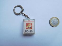 Beau Porte Clés , Café Tabac Le Balto à Enghien Les Bains - Porte-clefs