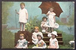 V20 CPA Groupe Enfants Pots Parapluie  Blanc 5c 111 Paris Départ 20/8/1904 - Children And Family Groups