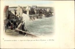 Cp Arromanches Les Bains Calvados, Aspect De La Digue Par Une Marée D'Équinoxe - Autres Communes