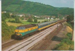 CP - TRAINS - LOCOMOTIVES - Locomotive Diesel Série 55 B Avec Voitures IC NS. - Treinen