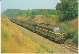 CP - TRAINS - LOCOMOTIVES - Locomotive Diesel-électrique CC Série 52. - Trains