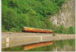 CP - TRAINS - LOCOMOTIVES - Autorail SNCB 4006 à Anseremme. - Trains