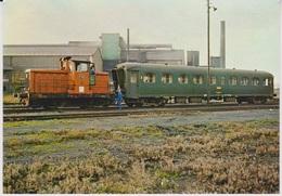 CP - TRAINS - LOCOMOTIVES - Voiture B9 NORD - Locotracteur Renault N°16. - Treinen