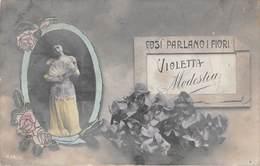 """3199""""COSI' PARLANO I FIORI-VIOLETTA-MODESTIA"""" GIOVIN DONNA CON VENTAGLIO DI PIUMECARTOLINA POSTALE ORIGINALE SPED. 1909 - Fiori"""