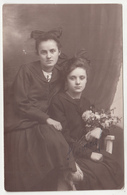 Portrait Of Two Girls Old Photo B190410 - Persone Anonimi