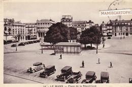 LE MANS - Dépt 72 - Place De La République - Voitures - Le Mans